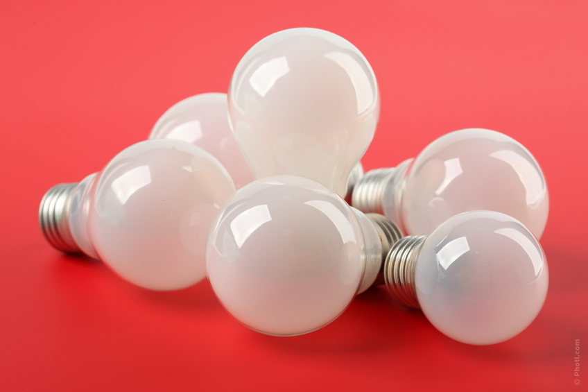 Cómo ahorrar en la factura de la luz | 10 consejos para ahorrar electricidad